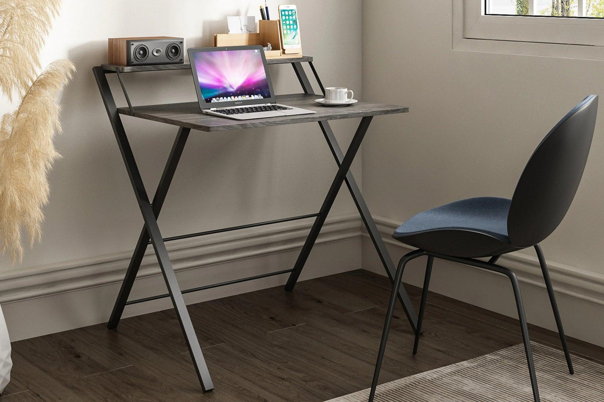 small desk 2048px 5